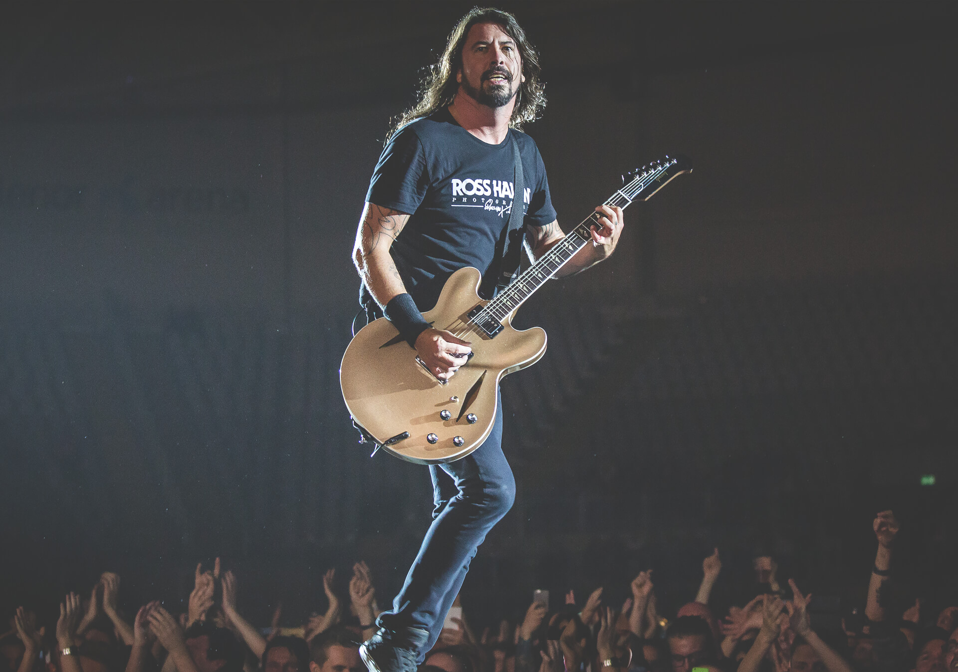 Dave Grohl Foo Fighters at the Saddledome.