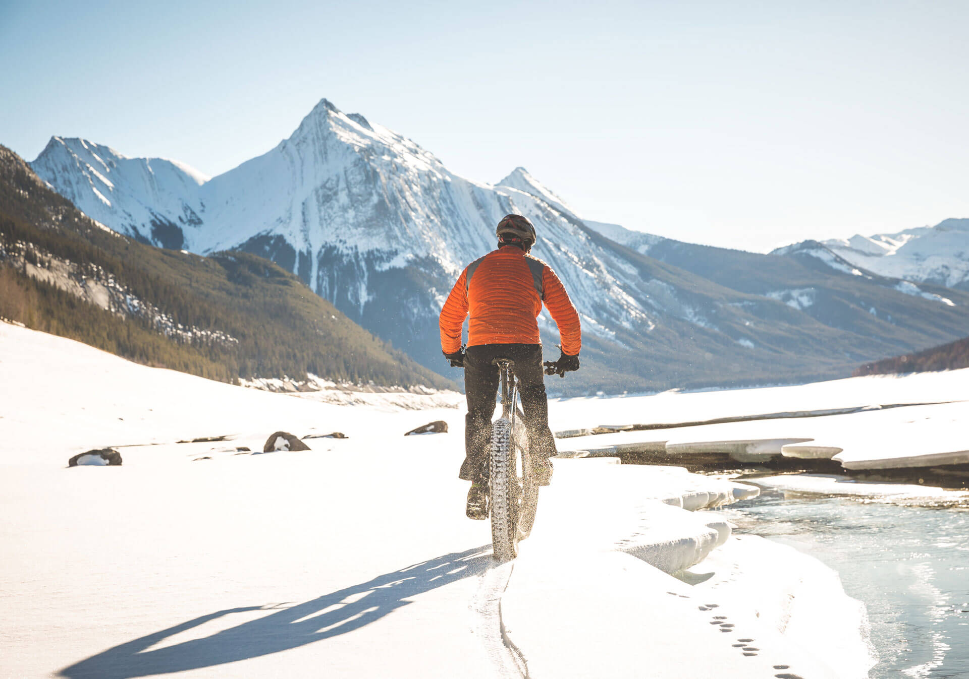 Fat biking on Maligne Lake (Photo credit: Matthew Clark).