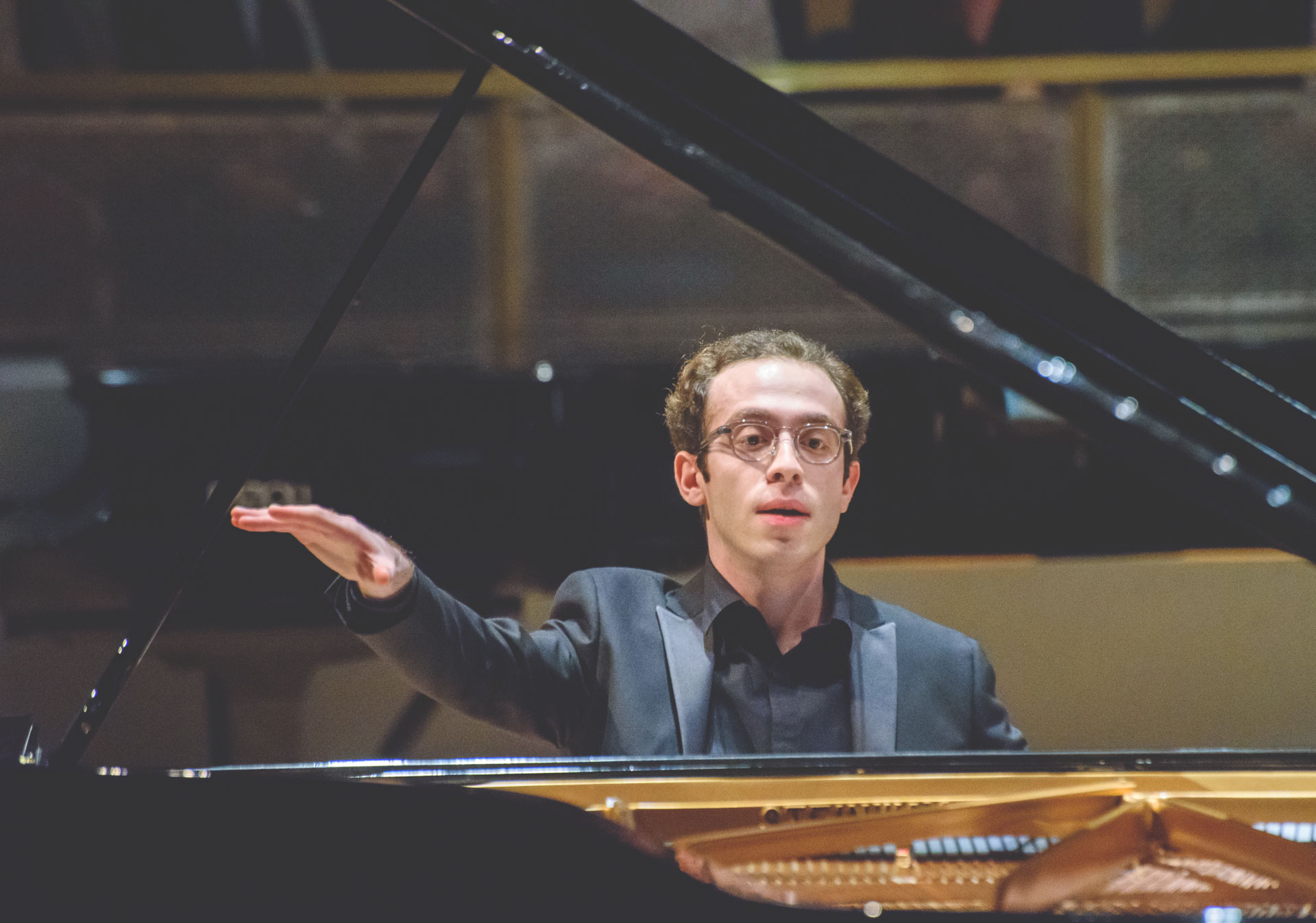 Nicolas Namoradze performs at Honens.